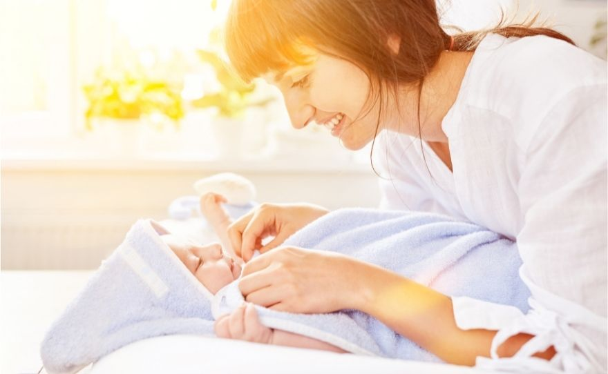 how to bathe a newborn for the first time